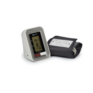 Прибор для измерения артериального давления и частоты пульса электронный (тонометр) «Armed» YE-630A (с речевым выходом, с адаптером)